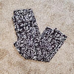 HOST PICK! Lululemon Cropper Leggings 6